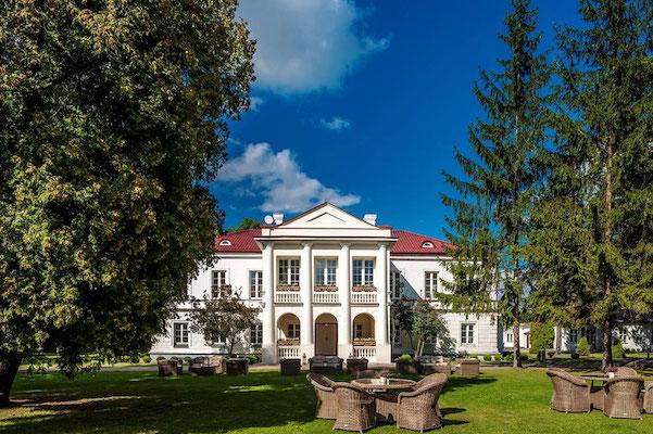 impreza integracyjna w pałacu zegrzyńskim pod warszawą