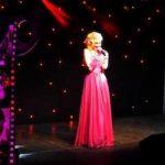 występ sobowtóra Marylin Monroe na imprezie w Warszawie